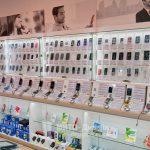 торговое оборудование витрины для телефонных аксессуаров